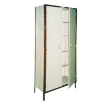 Estantería armada, con puertas batientes o corredizas, 6 estantes y chapas de forro