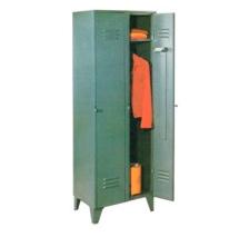 1402 – Guardarropas de dos puertas largas